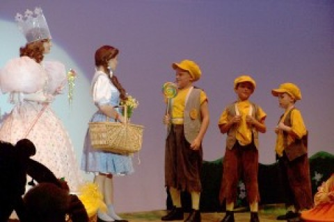 Pittsford residents go down the Yellow Brick Road in Pittsford Musicals' <em>The Wizard of Oz</em>