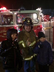 Candlelight Night in Pittsford draws good crowd despite weather