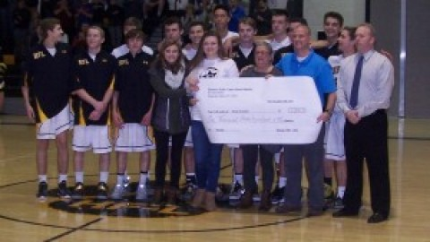 HF-L Boys Basketball Cougar Classic raises $1,400 for the Stein family