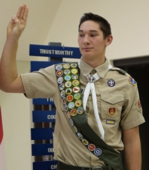 Volkman-Lien takes the Eagle Scout oath