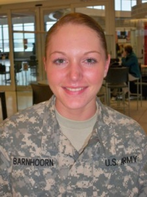 Local soldier re-enlists in U.S. Army
