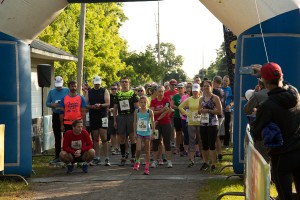 Mendon Foundation Black Diamond Race draws large number of runners and spectators