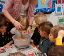 MCNS Preschoolers  make gingerbread