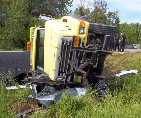 Four hurt in Rush crash