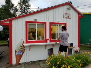 New owner takes over local Ice Cream Stand in Mendon